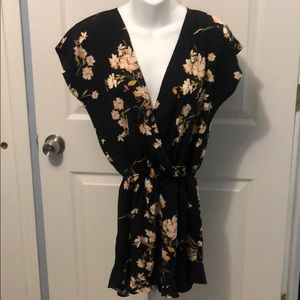 NWOT Honey Punch Floral Romper Size Small